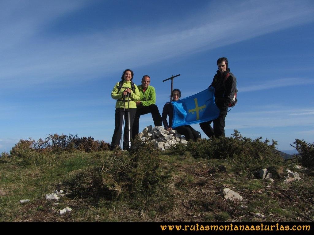 Ruta Sierra Bufarán, picos Degollada o Grande y Cotera: Cima de la Cotera