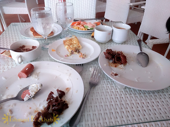 Our empty plates in Microtel Palawan, Puerto Princesa