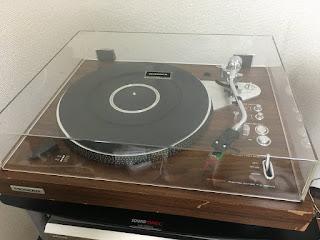 パイオニアのレコードプレーヤー(PL-1250)