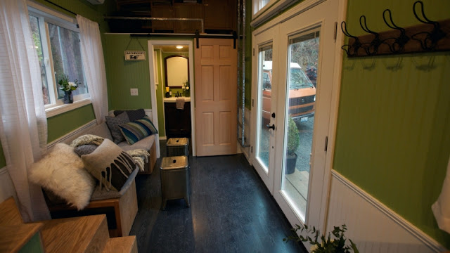 Tiny House Town The 220 Sq Ft Romantic Abode