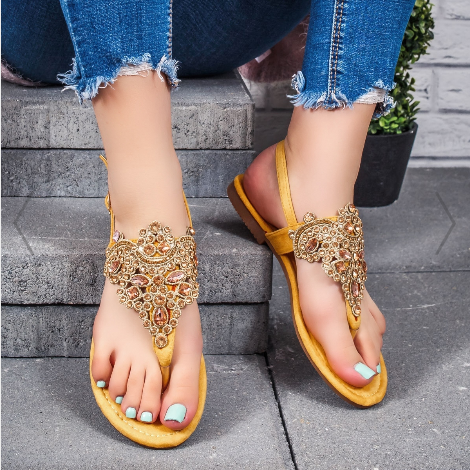 Sandale dama galbene cu talpa joasa cu accesoriu auriu cu pietre