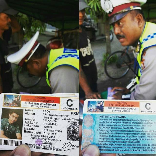 """Ditilang Saat Naik Motor, Lihat SIM milik cowok ini polisi langsung """"kejang-kejang"""" naik darah"""