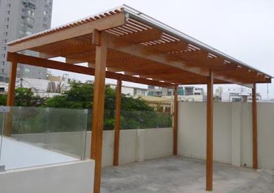 Techo sol y sombra de madera para terrazas en Surco