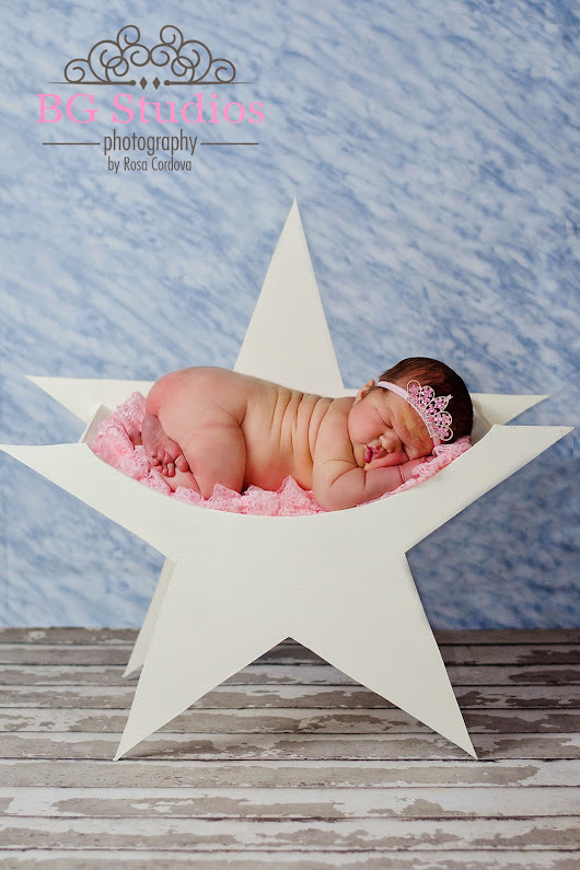 BG Studios Photography: Welcome to the world !!! Beautiful newborn girl at the studio, so, so sweet... :)