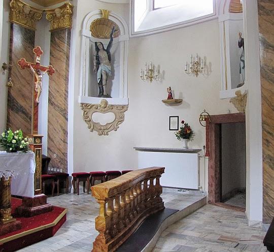 Wnętrze Sanktuarium na Kościelcu.