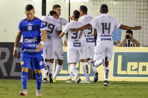 Simples e objetivo, Santos avança no Paulista
