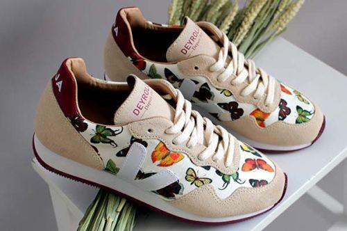 edb2e809371 De mooiste sneakers met print voor dames | Schoenen 2019