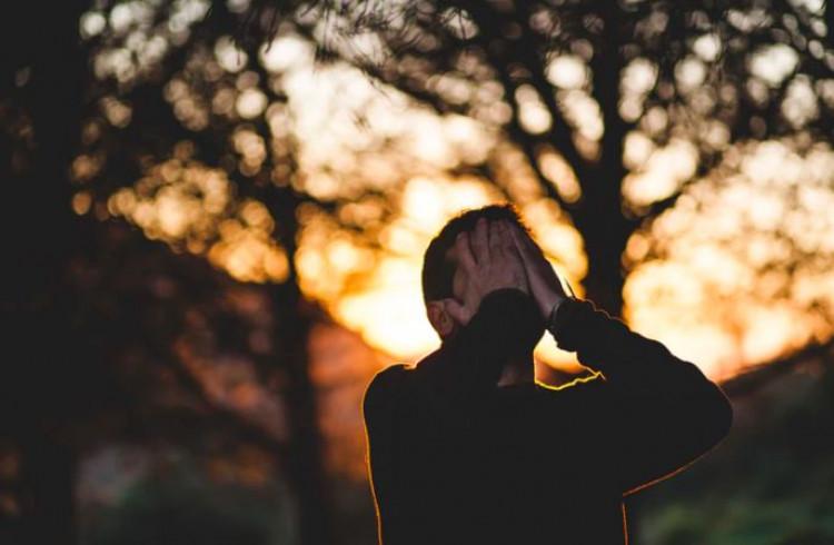 kebiasaan mengeluh yang harus dijauhi dan tinggalkan, hal simpel yang bisa dilakukan tanpa mengeluh, mengeluh dalam pekerjaan, mengeluh menurut islam, berhenti mengeluh dan belajar bersyukur, kata kata mengeluh kehidupan, mengeluh dengan pekerjaan, jangan mengeluh dengan keadaan, Cara Jitu Agar Anda Tidak Mudah Mengeluh, Tips Atasi Kebiasaan Sering Mengeluh, kunci untuk berhenti mengeluh dengan keadaan, Arti Kata mengeluh di Kamus Besar Bahasa Indonesia, Cara Bijak Untuk Menghilangkan Kebiasaan Mengeluh, Hentikan Kebiasaan Mengeluh dengan Melakukan 4 Hal ini, Kata Kata Jangan Mengeluh ketika Menjalani Hidup yang Sulit, tipe dan ciri-ciri orang yang suka mengeluh