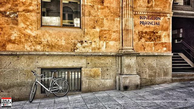 Diputación de Salamanca en bici aparcamiento ciclista