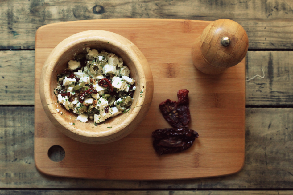 Batatas Doces Recheadas com Azeitonas, Feta e Tomates Secos