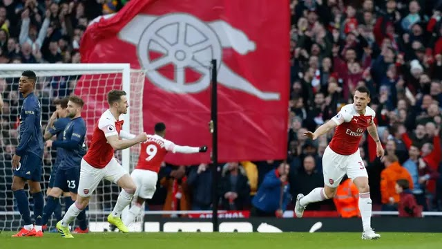 Arsenal Hentikan Manchester United di Emirates