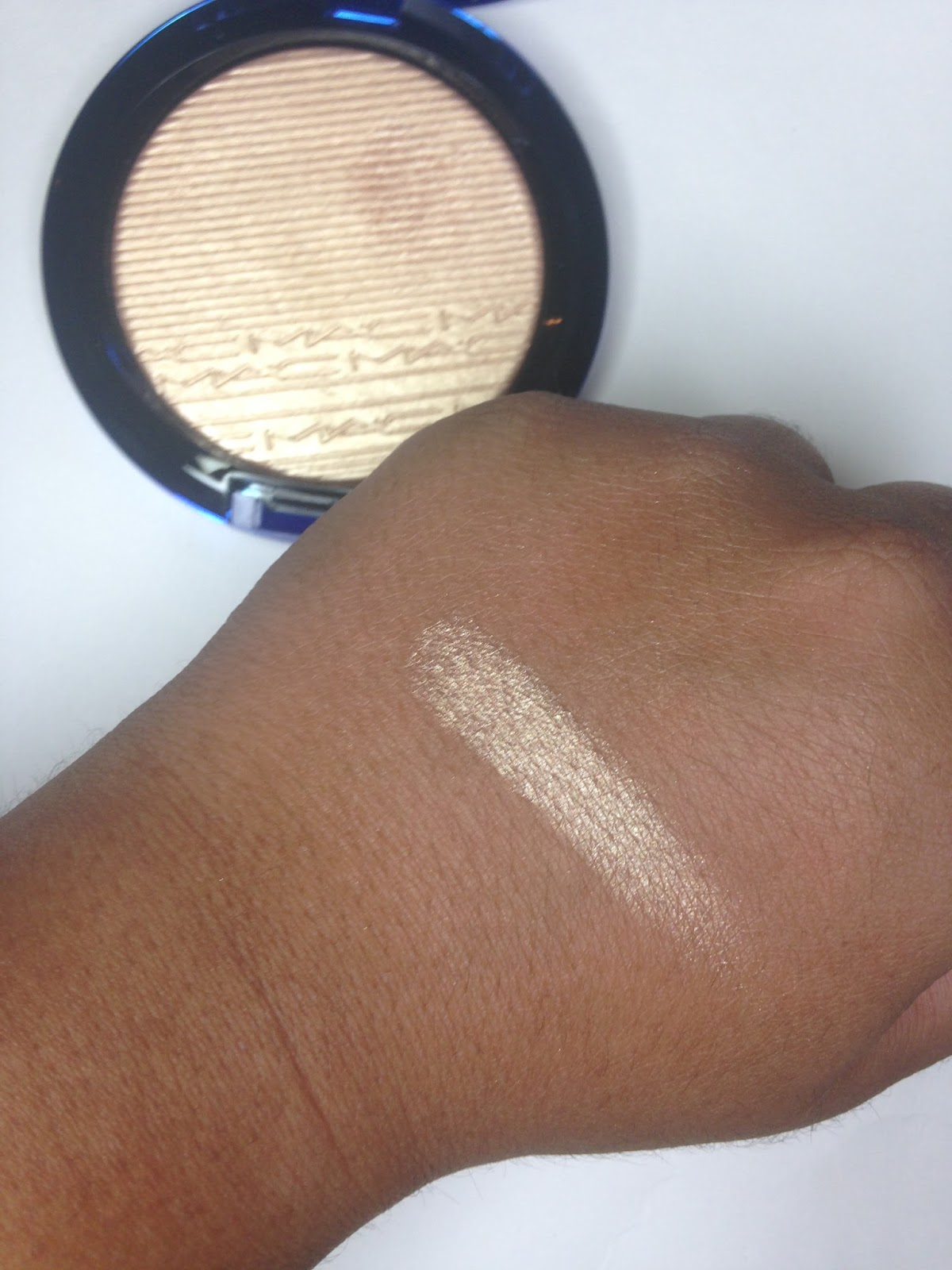 Makeup Check: MAC: Magic Of The Night Highlighters In Oh