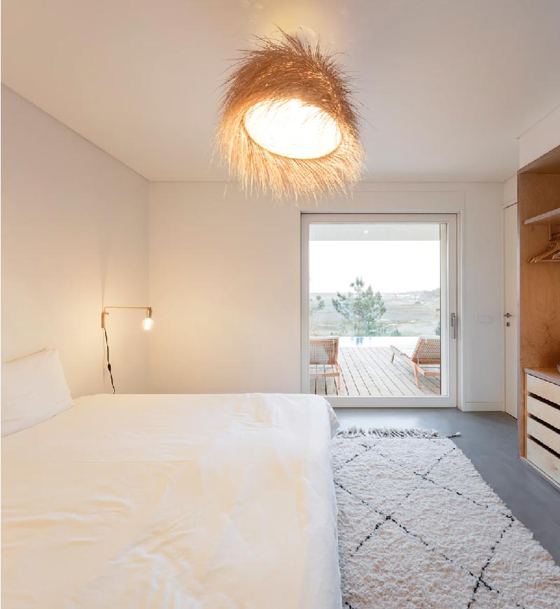 Una lussuosa villa per le vacanze dal mood naturale, proposta da Le Collectionist.