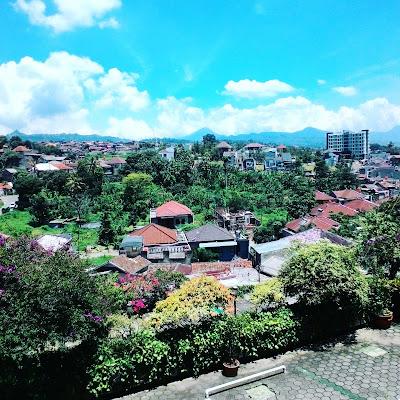 Hotel Setiabudhi Indah, Bandung - Balcony Views