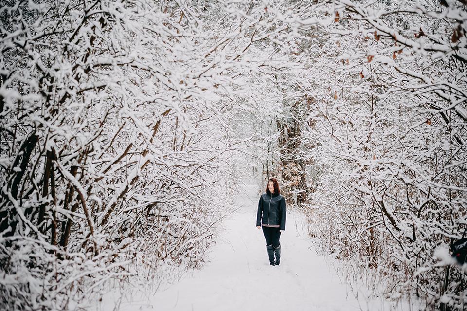 Zimowa sesja plenerowa, Fotograf Niemce, fotograf Lublin, fotograf Lubartów, sesja w lesie, nikkor 50 1.8