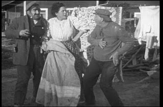 Кадр из фильма Чарли Чаплина A Thief Catcher (1914) - 3