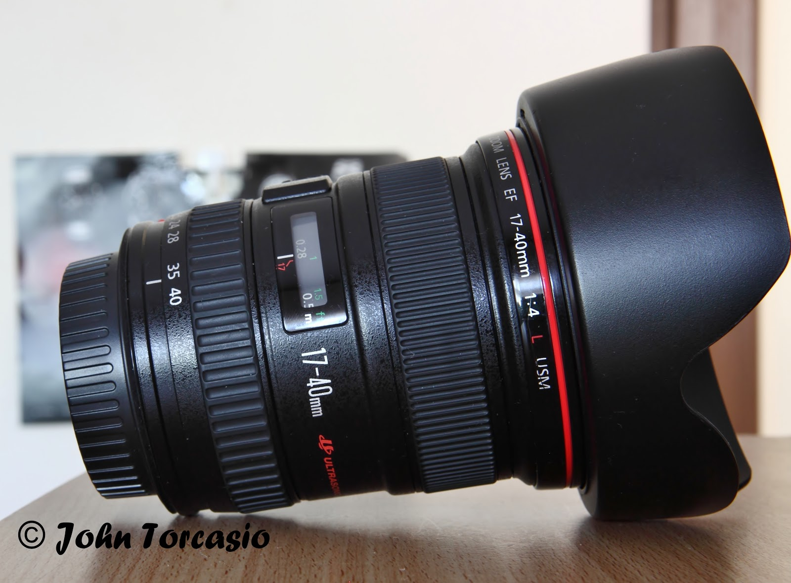 Canon EF 17-40mm f4 L USM Lens with an EW-83H Hood