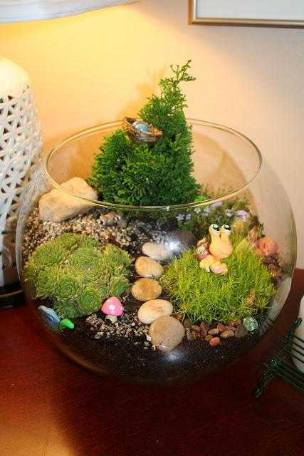 M s y m s manualidades 10 mini jardines en peceras de vidrio for Peceras de jardin