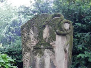 tomba serpente