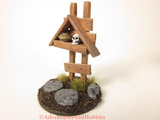 Small miniature roadside shrine T1534 25-28mm scale war game scenery piece - left side view.