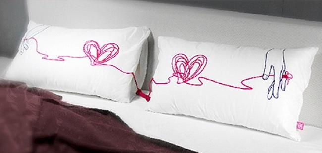 Hoy hablamos de almohadas rom nticas - Almohadas para cama ...