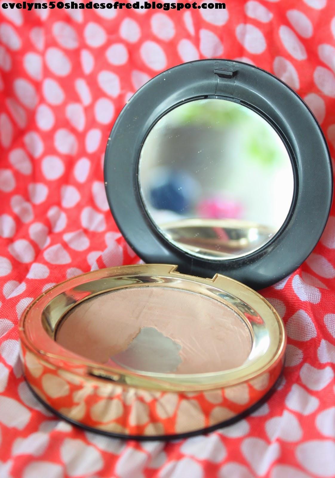 Eveline Cosmetics Celebrities Beauty matująco-wygładzający puder mineralny #21 Ivory