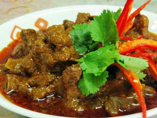 Masakan niscaya disukai masyarakat indonesia dgn daging yg empuk rasa pedes khas manad Resep Kambing Rica Rica PEDAS Sekali