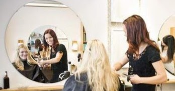 Jika salon yang anda bangun terus berkembang sehingga membutuhkan karyawan  baru. Maka buatlah training singkat kepada karyawan baru anda untuk  mengajarkan ... 22ad2c9427