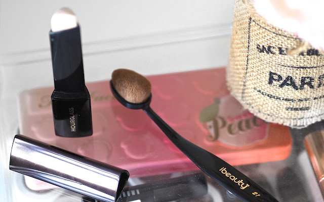 Makeup review of the Hourglass Vanish Seamless Foundation Stick