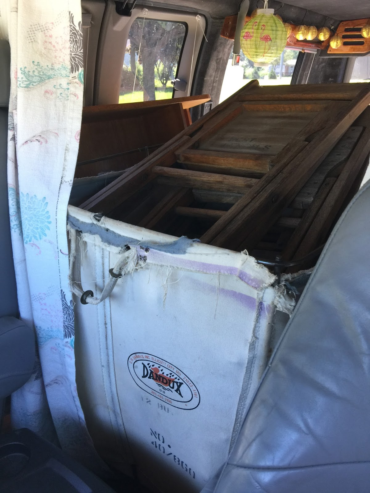 Melissa's Antiques: 127 Yard Sale: On the Road