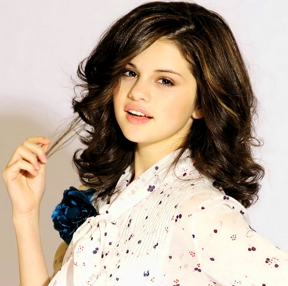 Hollywod Actress Selena Gomez Hot Hd Wallpaper She Is One -8927