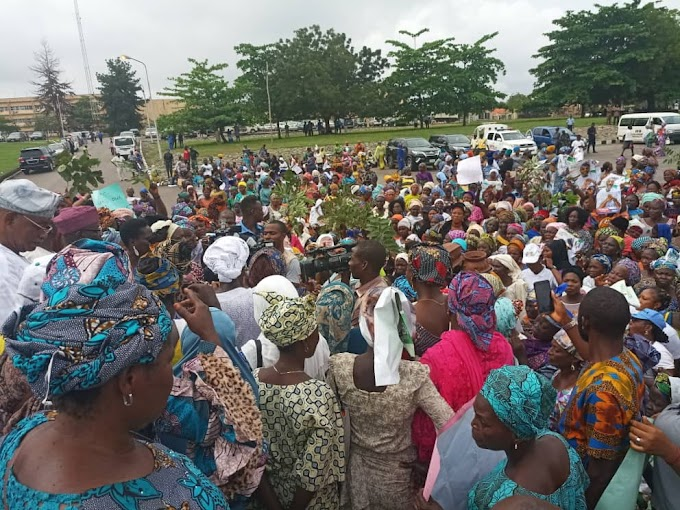 Ogun State Women threaten to go naked protest in Abuja over Akinlade