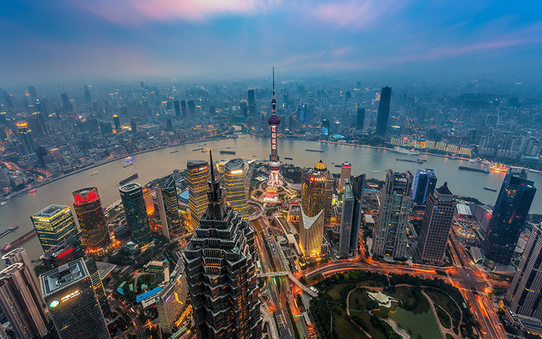 Drone captura una densidad absurda de edificios de gran altura de Hong Kong