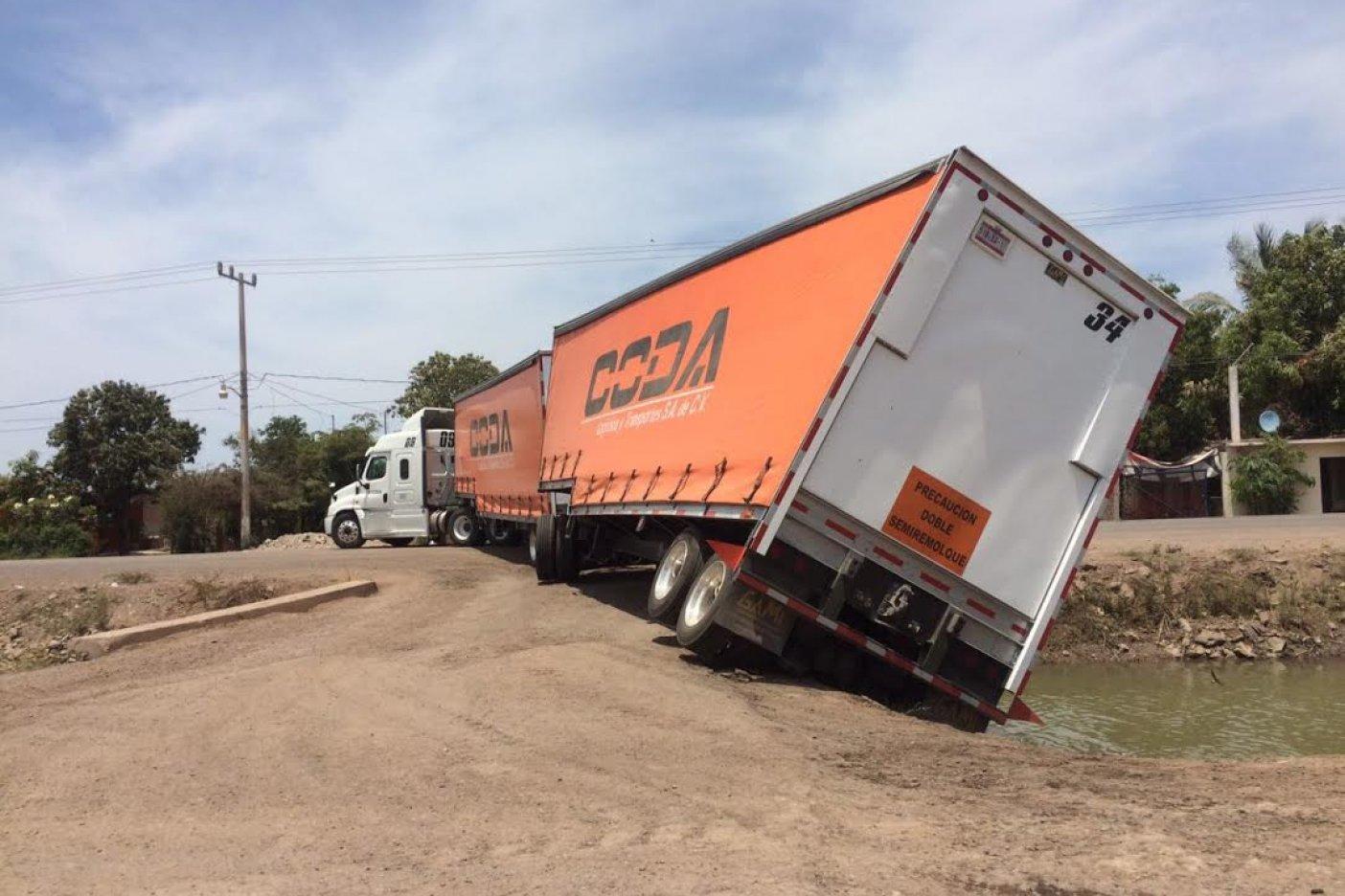 Guía del Viajero en México: Dobles Remolques, el próximo socavón de ...
