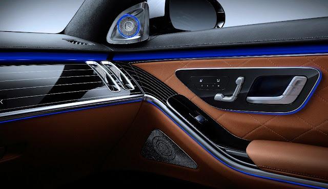 2021-mercedes-s-class-door-panel-control-adjustment-and-audio-system
