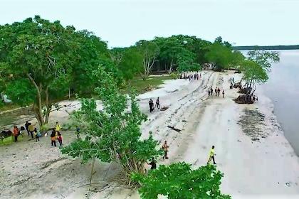 Menikmati Keindahan Wisata Pantai Solop di Indragiri Hilir