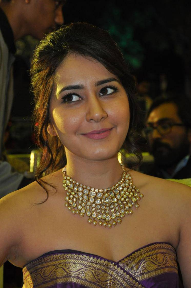 Rashi Khanna Beautiful Armpits Photos