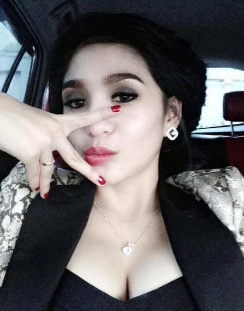 Bibie Julius Phone Photo Hot Compilation Part 5 - Asian