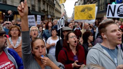 Españoles protestan por casos de corrupción del PP de Rajoy