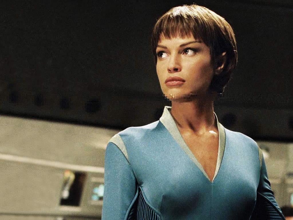 The shapely form of Jolene Blalock as the Vulcan T'Pol in STAR TREK:  ENTERPRISE. Image: CBS PARAMOUNT.
