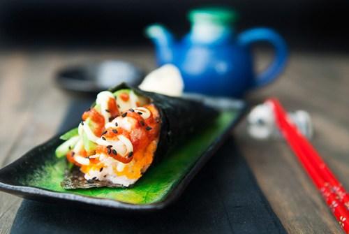 Sushi hình ốc quế