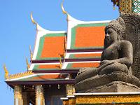 Фото скульптуры на территории Королевского Дворца в Бангкоке