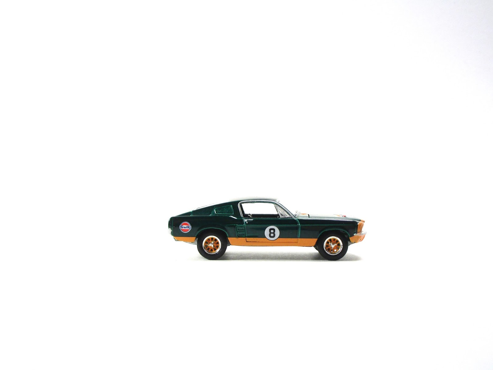 chase vs  regular  greenlight gulf racing 1967 ford mustang