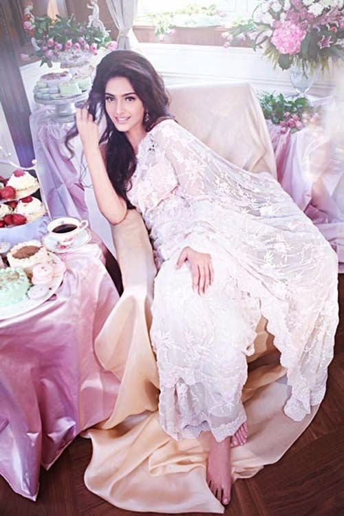 sonam-kapoor-in-shehla-khan-photoshoot