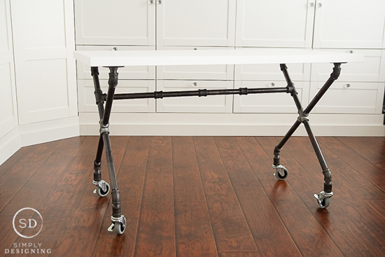 kerajinan tangan meja unik menggunakan pipa besi