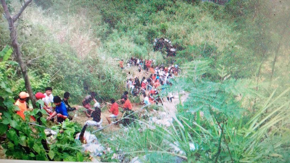 At least 24 dead after bus falls into 80-ft ravine in Nueva Ecija