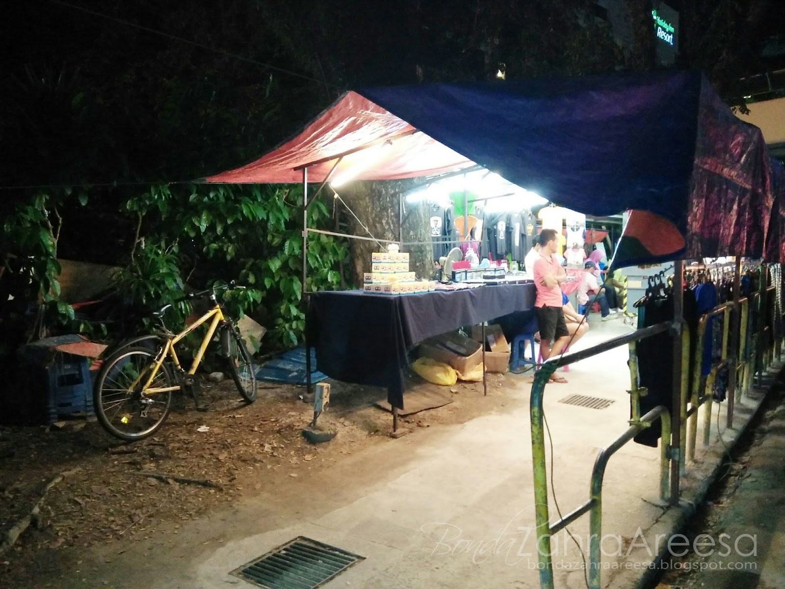 Night market batu feringghi