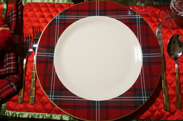 The dinner plates are made by Villeroy \u0026 Boch. Pattern is French Garden \ Noel\  & Christine\u0027s Home and Travel Adventures: Villeroy \u0026 Boch and Plaid ...