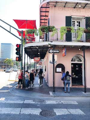 visit new orleans,  new orleans, bourbon street, bourbon street bars, mardi gras, mardi gras new orleans