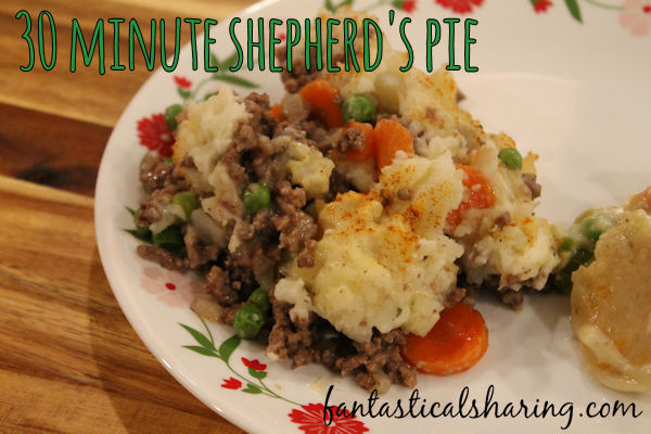 30 Minute Shepherd's Pie //  Easy to make shepherd's pie that will impress everyone at your table! #Recipe #maindish #beef